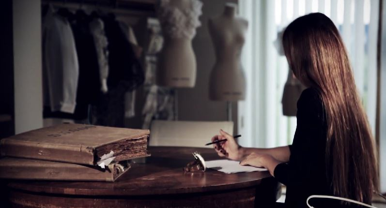 A journey into Anne Fontaine's atelier // Director's cut (Directed by Quentin Labail)